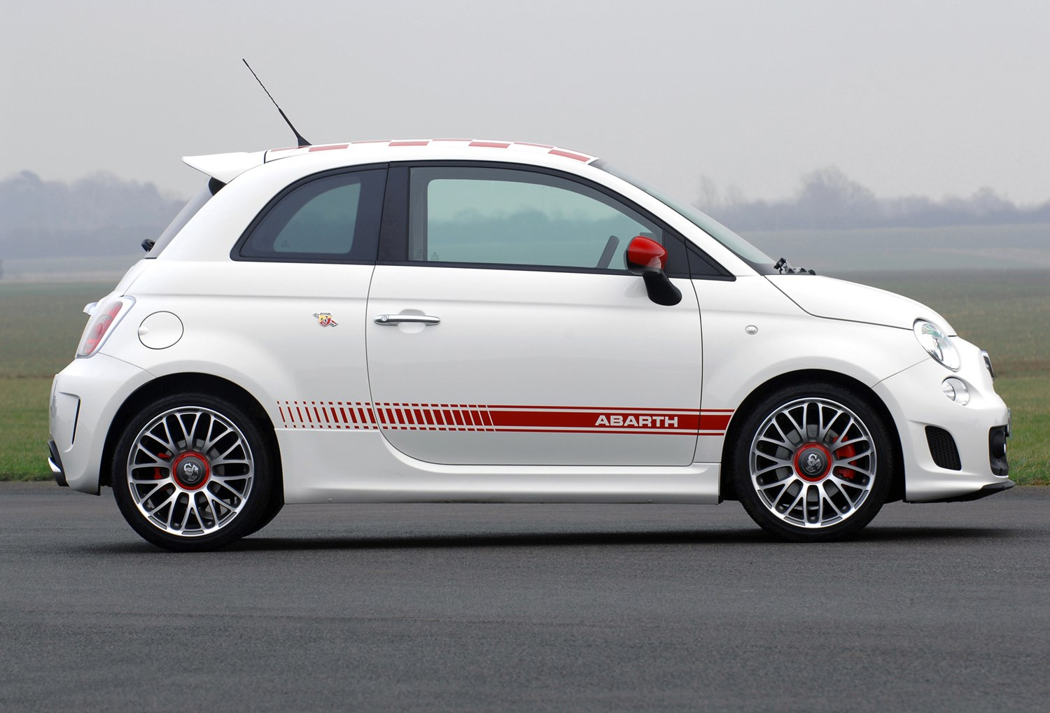 abarth 500 hatchback 2009 2015 features equipment and accessories parkers. Black Bedroom Furniture Sets. Home Design Ideas