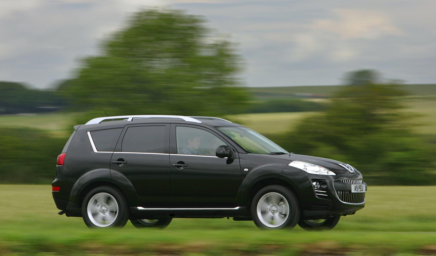 Peugeot 4007 Hatchback Review (2007 - 2012) | Parkers