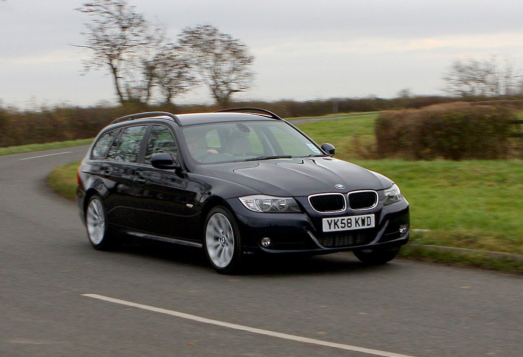 bmw 3 series touring review 2005 2012 parkers. Black Bedroom Furniture Sets. Home Design Ideas