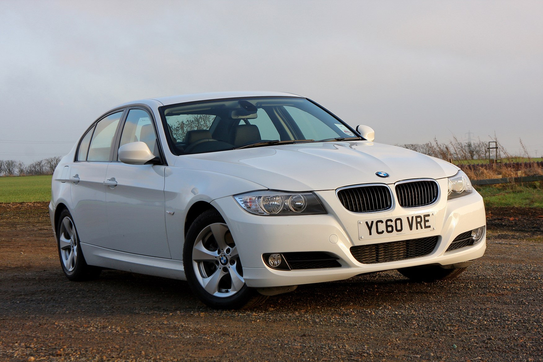 bmw 3 series saloon 2005 2011 features equipment and rh parkers co uk bmw 320d owners manual pdf bmw 320d owners manual
