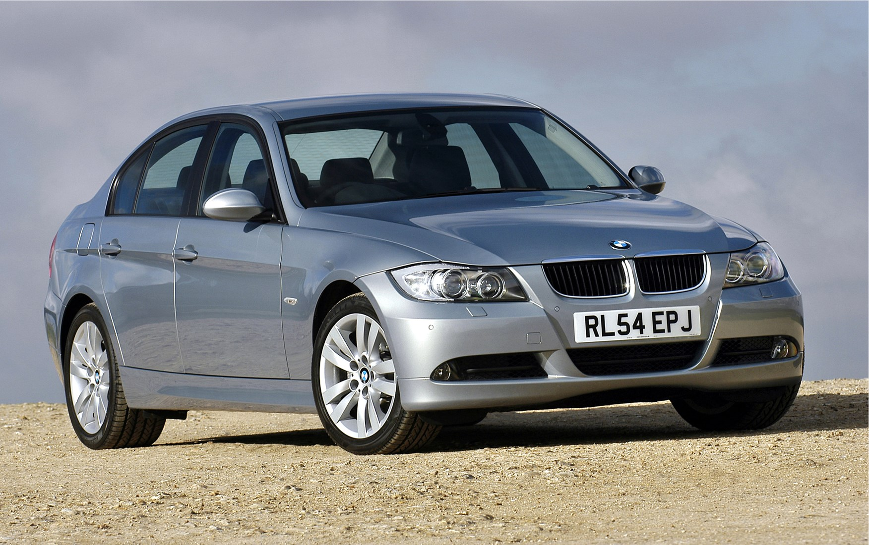 bmw 3 series saloon review 2005 2011 parkers. Black Bedroom Furniture Sets. Home Design Ideas