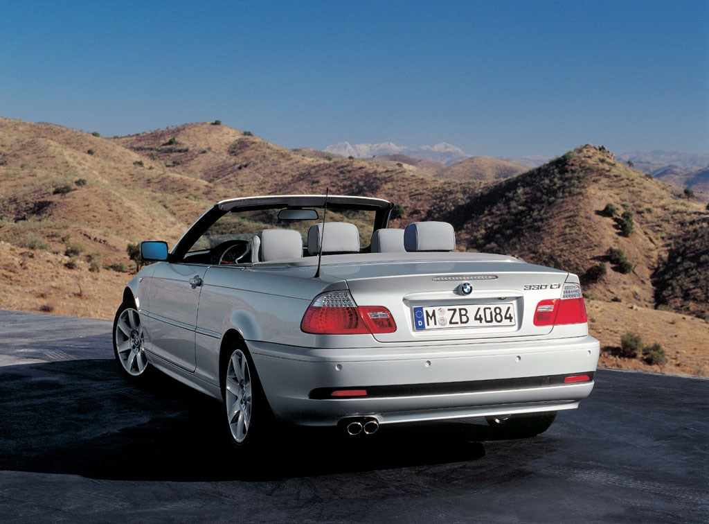 BMW Series Convertible Review Parkers - 2005 bmw 325i convertible
