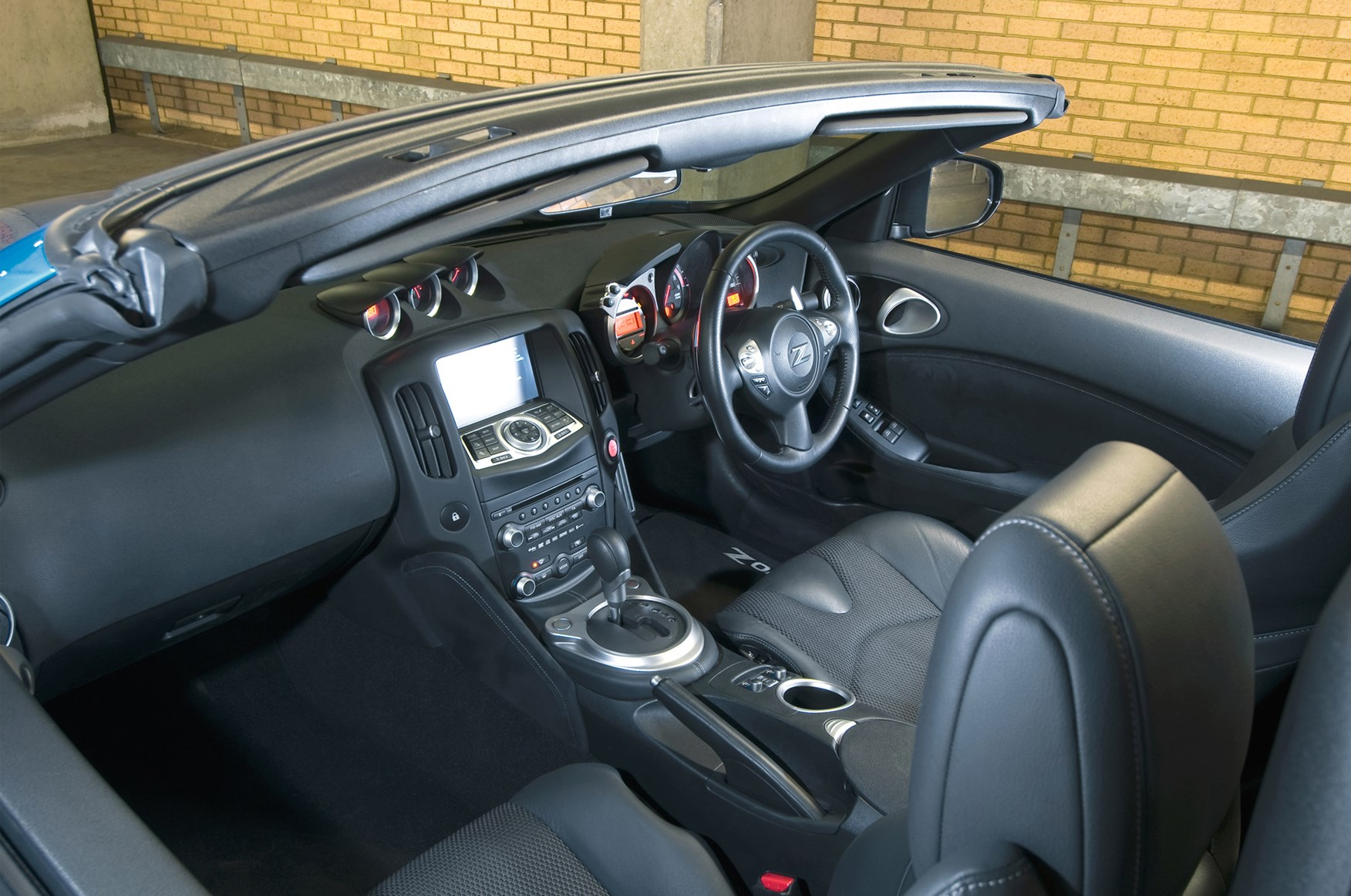 Used Nissan 370Z Roadster (2010 - 2014) Interior   Parkers