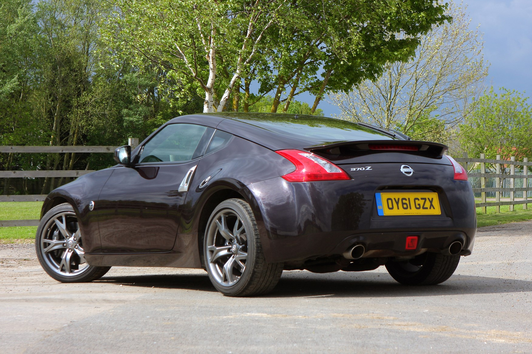 nissan 370z coupe review 2009 parkers. Black Bedroom Furniture Sets. Home Design Ideas