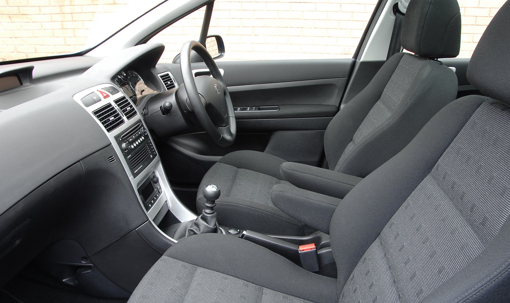 peugeot 307 sw 2002 2007 features equipment and. Black Bedroom Furniture Sets. Home Design Ideas