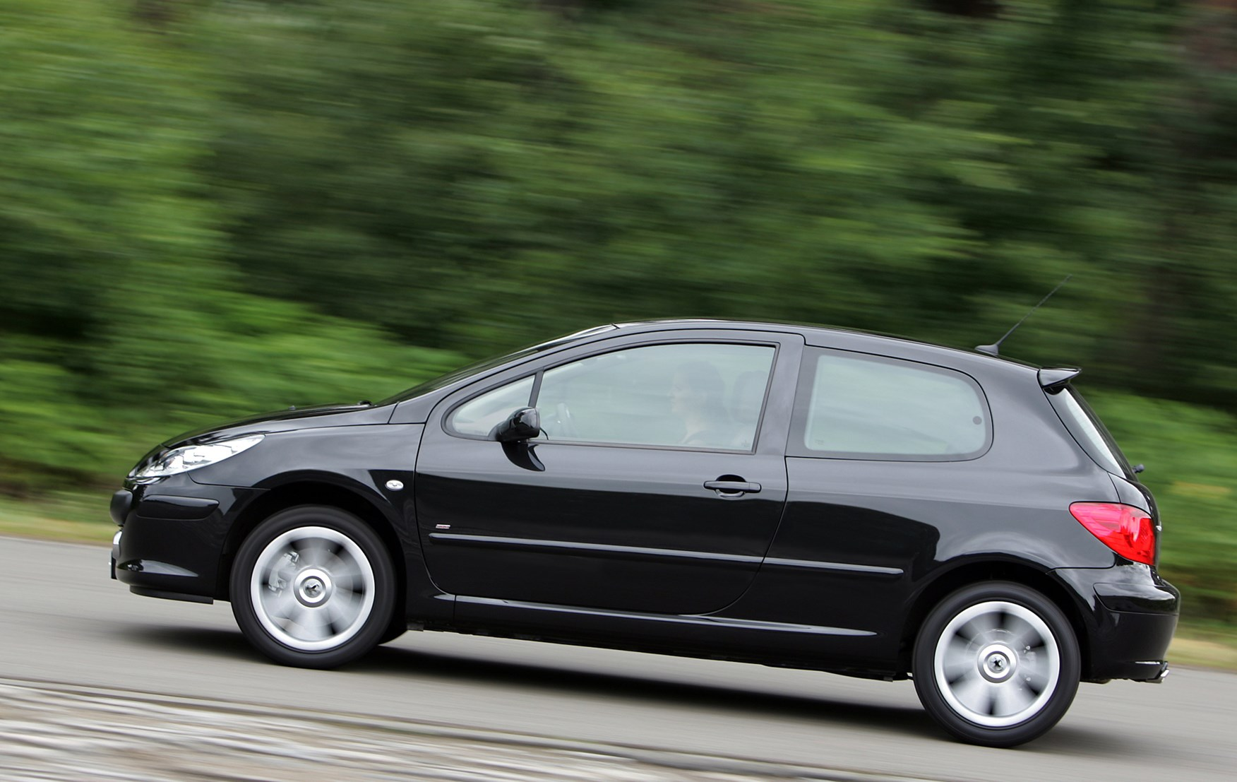 Peugeot 307 Hatchback Review 2001 2007 Parkers