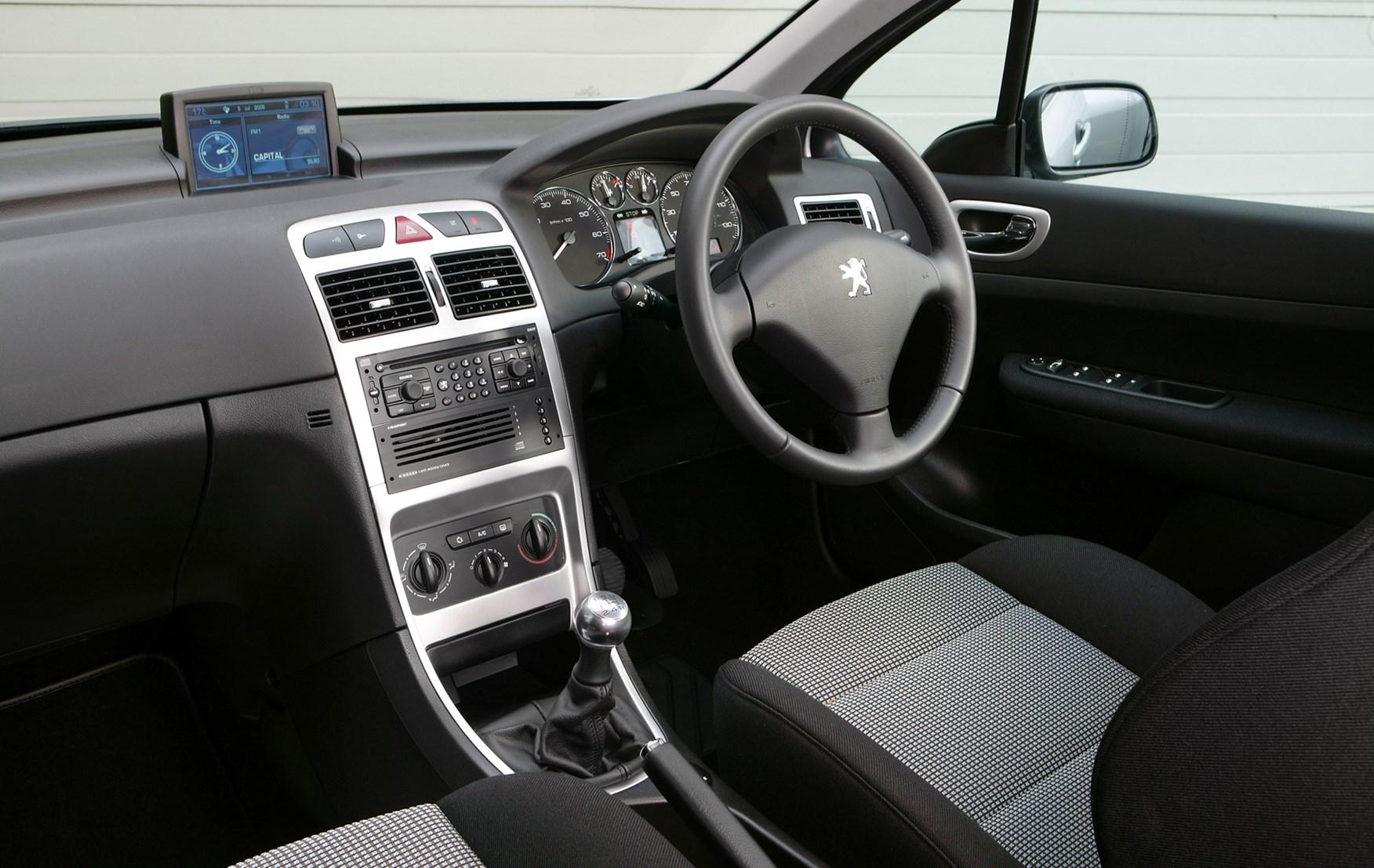 Peugeot 307 Fuse Box For Sale : Peugeot hatchback rivals parkers
