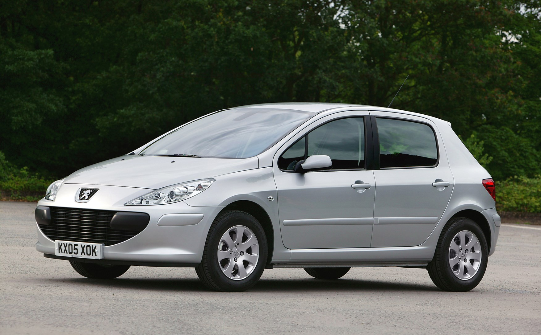 peugeot 307 hatchback review 2001 2007 parkers. Black Bedroom Furniture Sets. Home Design Ideas