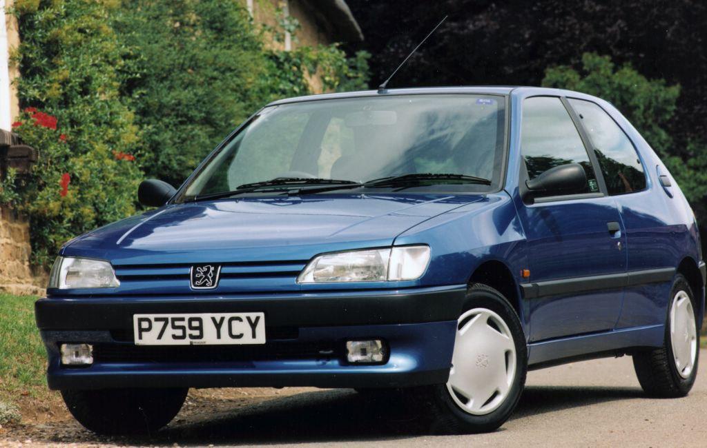 Peugeot 306 Hatchback Review (1993 - 2001) | Parkers