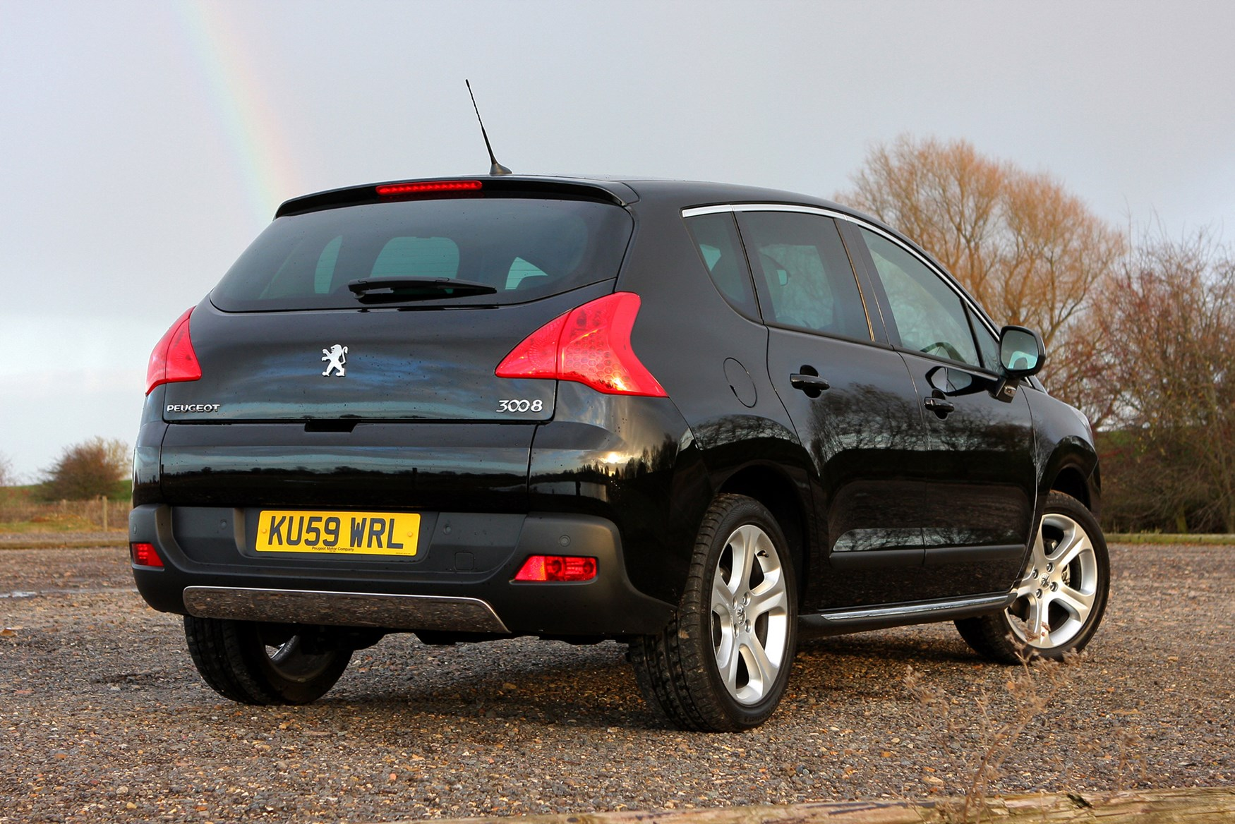 Peugeot 3008 Estate (2009 - 2016) Features, Equipment and Accessories |  Parkers