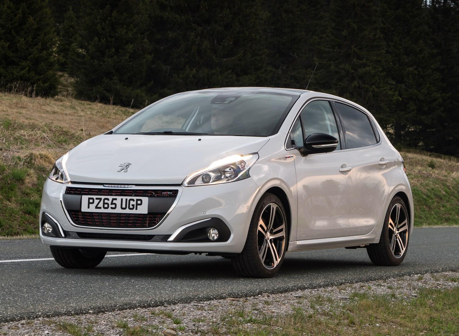 Peugeot 208 Hatchback review | Parkers