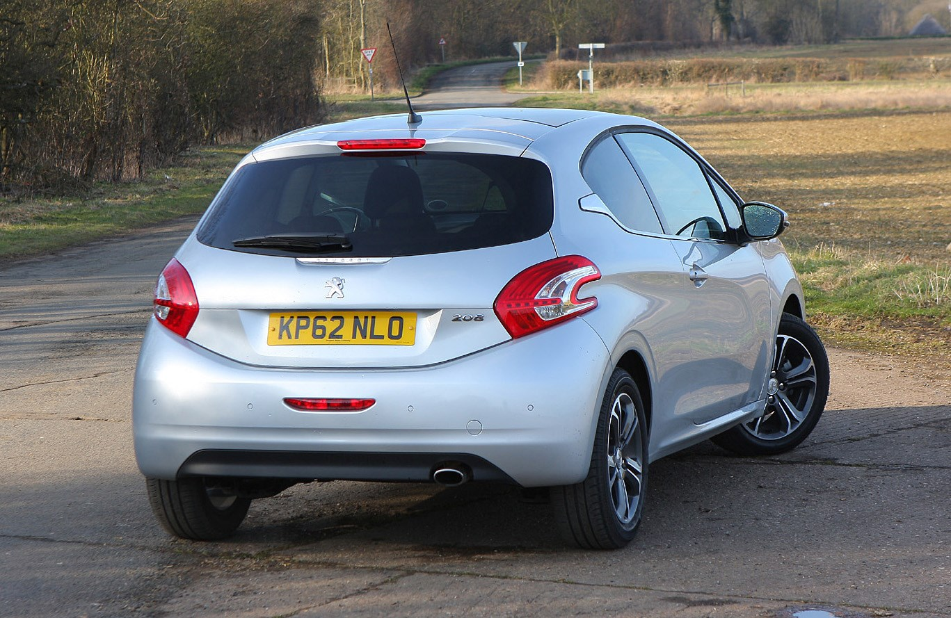 Peugeot 208 Hatchback Review