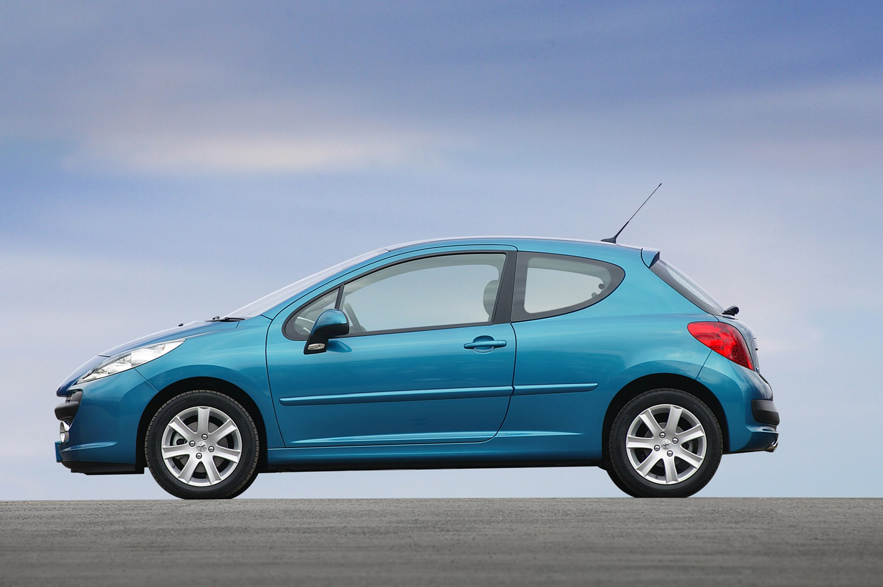 03 peugeot 207 hatchback (2006 2012) running costs parkers peugeot 207 fuse box recall at gsmportal.co