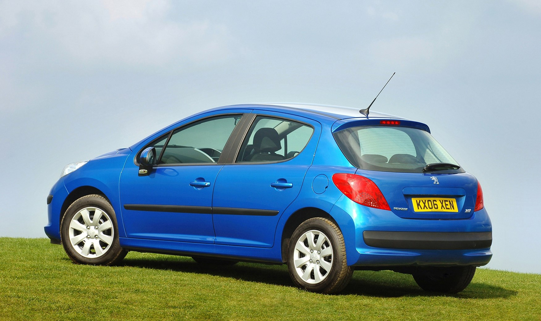 Car Seat Recall >> Peugeot 207 Hatchback (2006 - 2012) Running Costs | Parkers