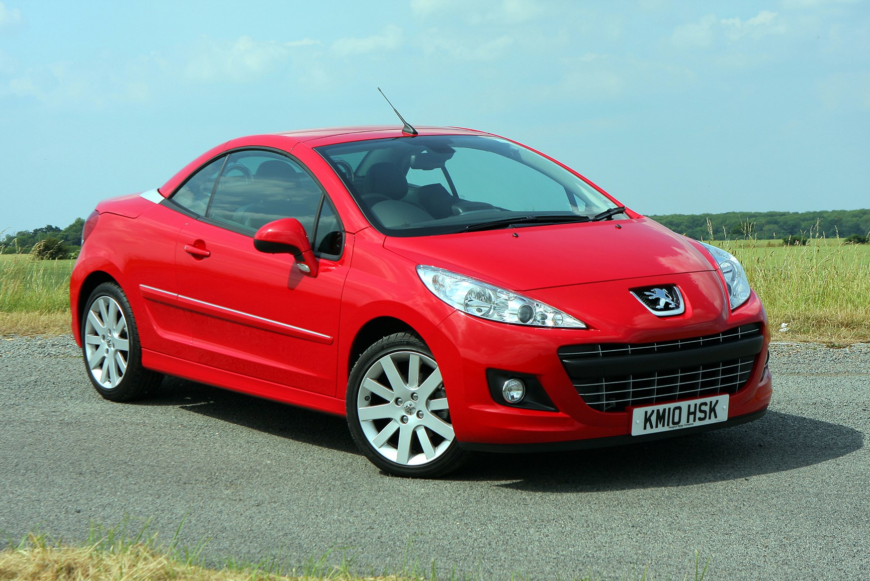 peugeot 207 cc review 2007 2014 parkers. Black Bedroom Furniture Sets. Home Design Ideas