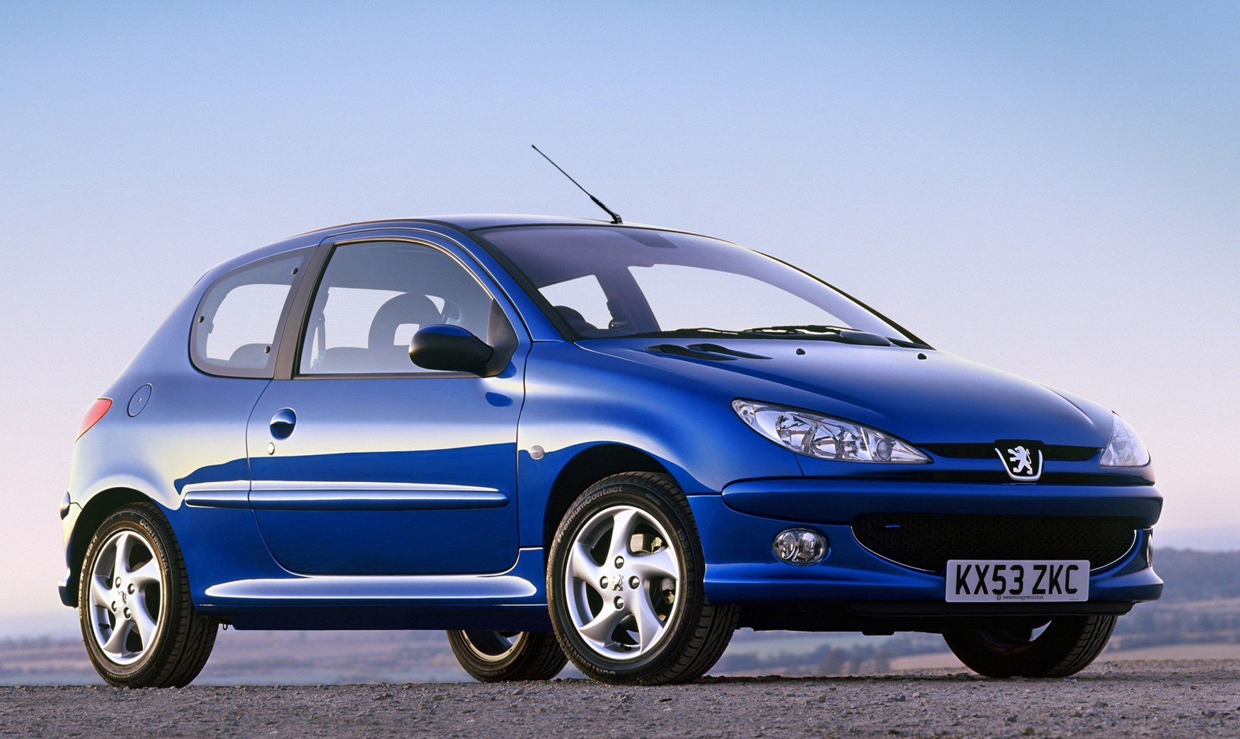 peugeot 206 hatchback review 1998 2009 parkers. Black Bedroom Furniture Sets. Home Design Ideas