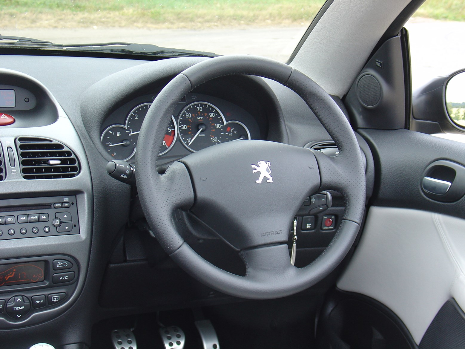 peugeot 206 coup cabriolet 2001 2007 features equipment and accessories parkers. Black Bedroom Furniture Sets. Home Design Ideas