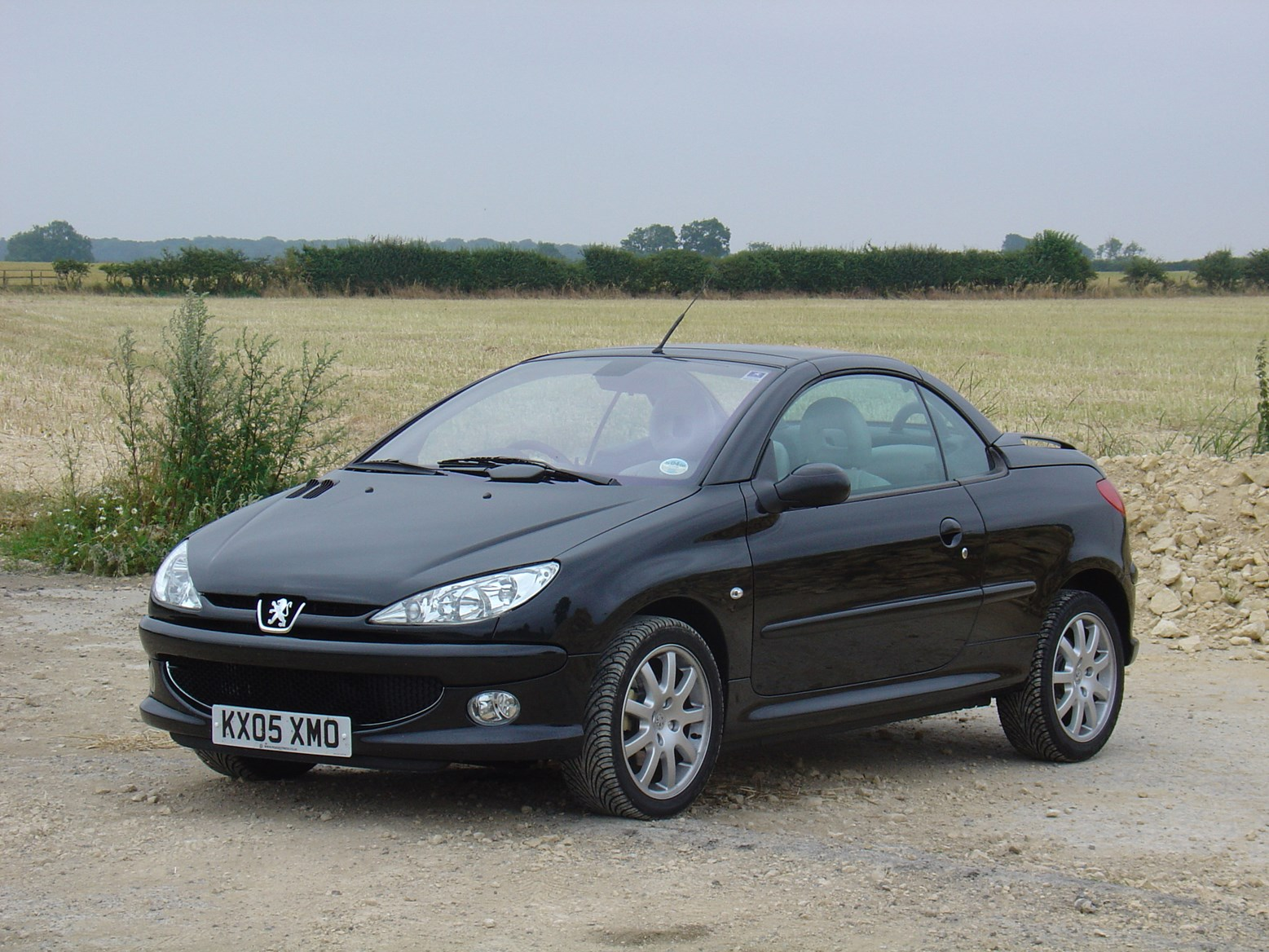 peugeot 206 coup cabriolet review 2001 2007 parkers. Black Bedroom Furniture Sets. Home Design Ideas