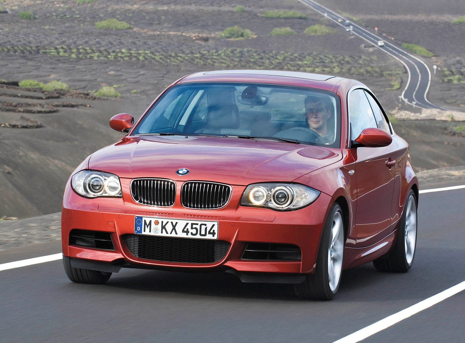 used bmw 1 series coupe 2007 2013 review parkers. Black Bedroom Furniture Sets. Home Design Ideas