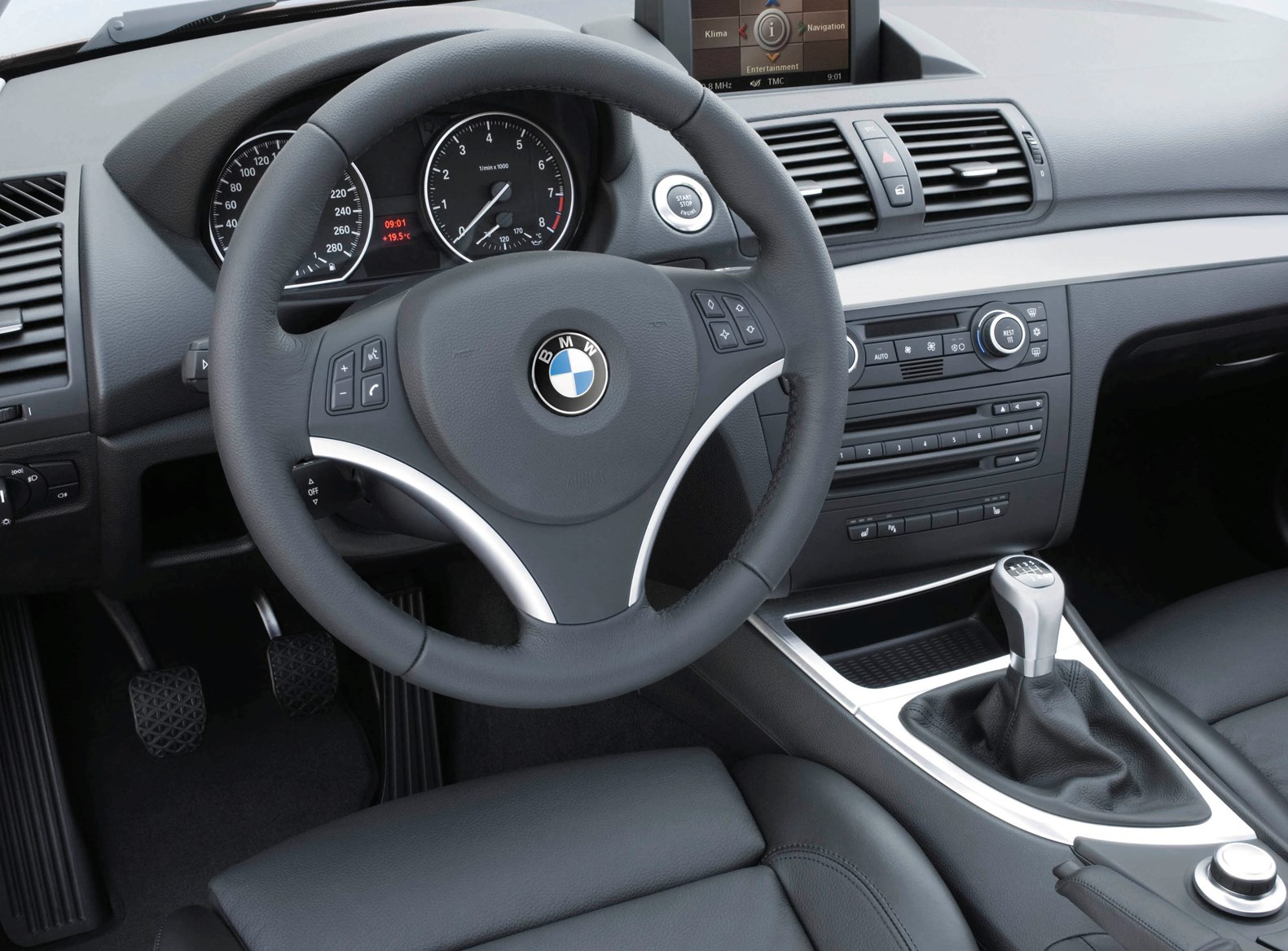 BMW 1 Series Coupe Review 2007