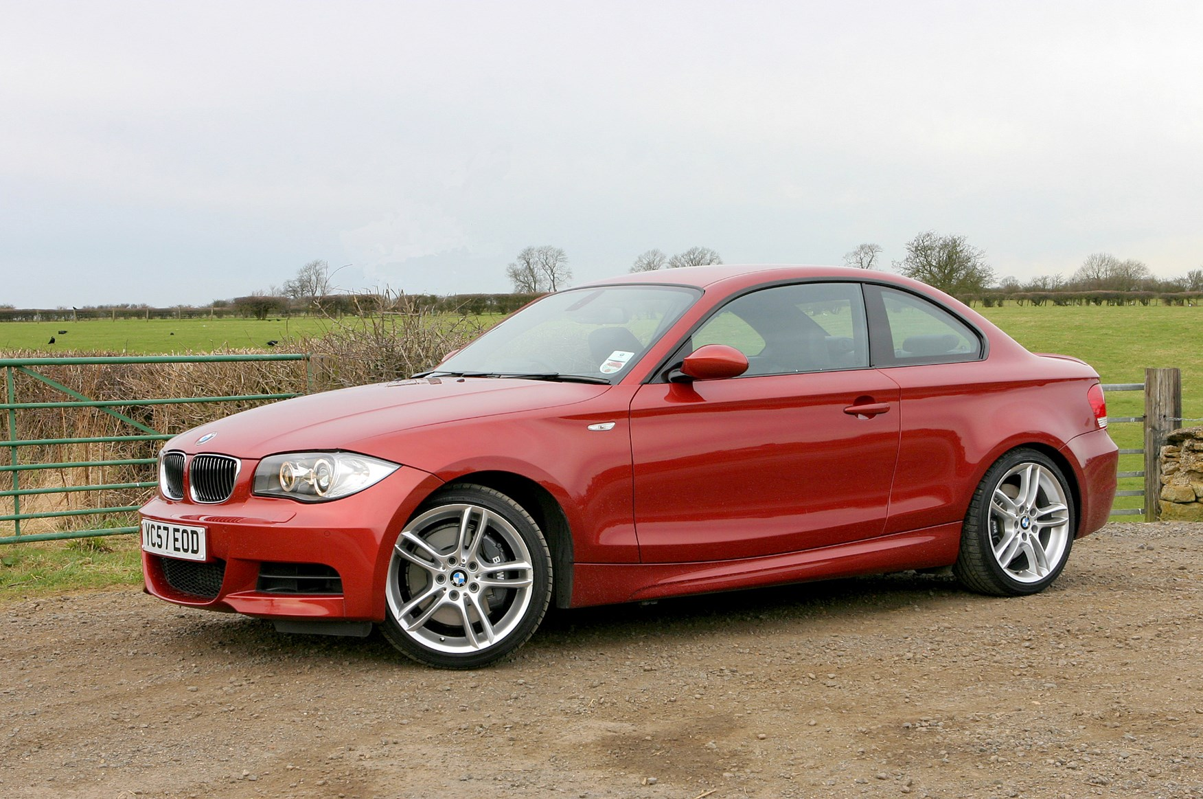 bmw 1 series coup review 2007 2013 parkers. Black Bedroom Furniture Sets. Home Design Ideas