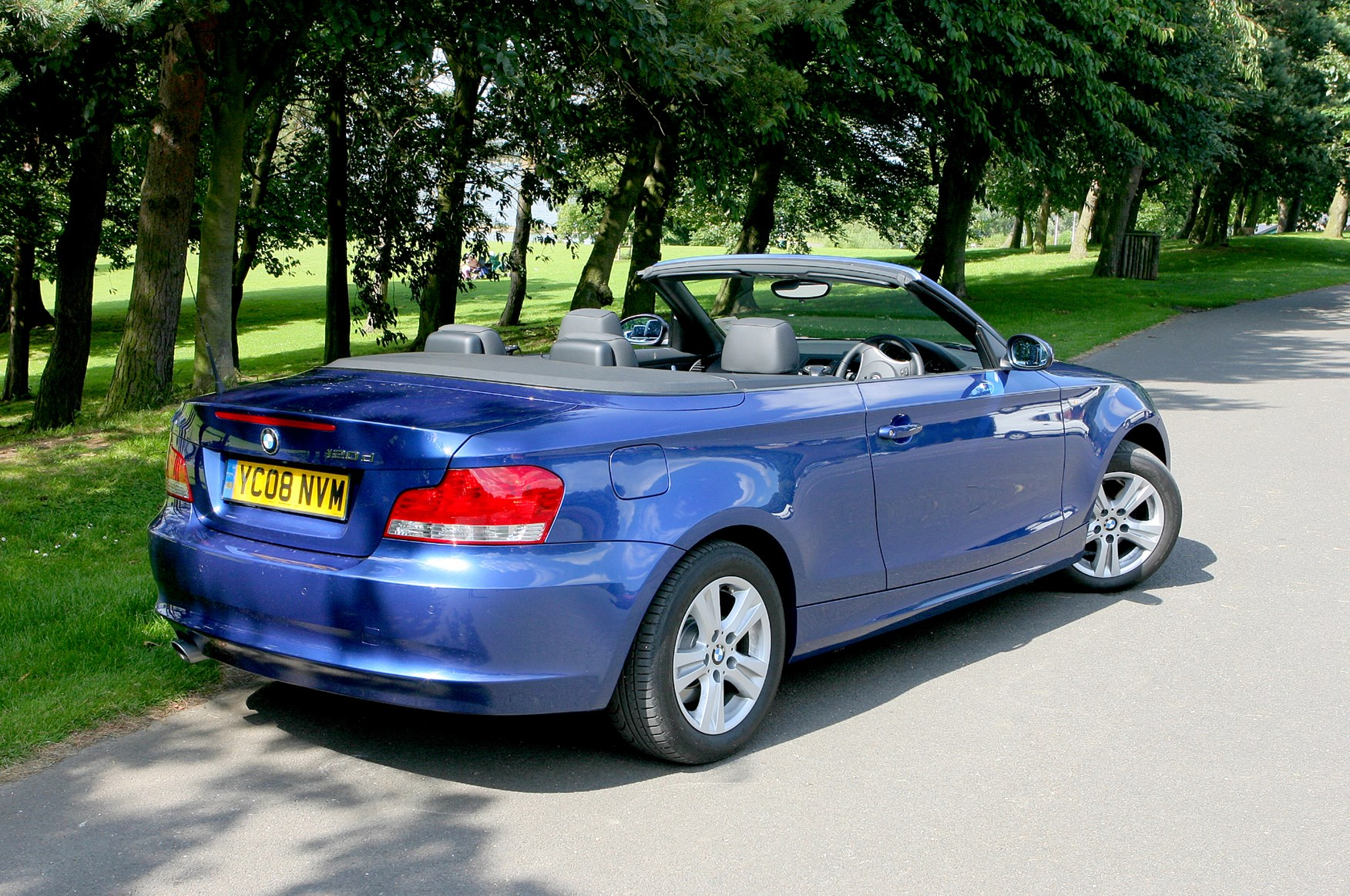 Used Bmw 1 Series Convertible 2008 2013 Interior Parkers