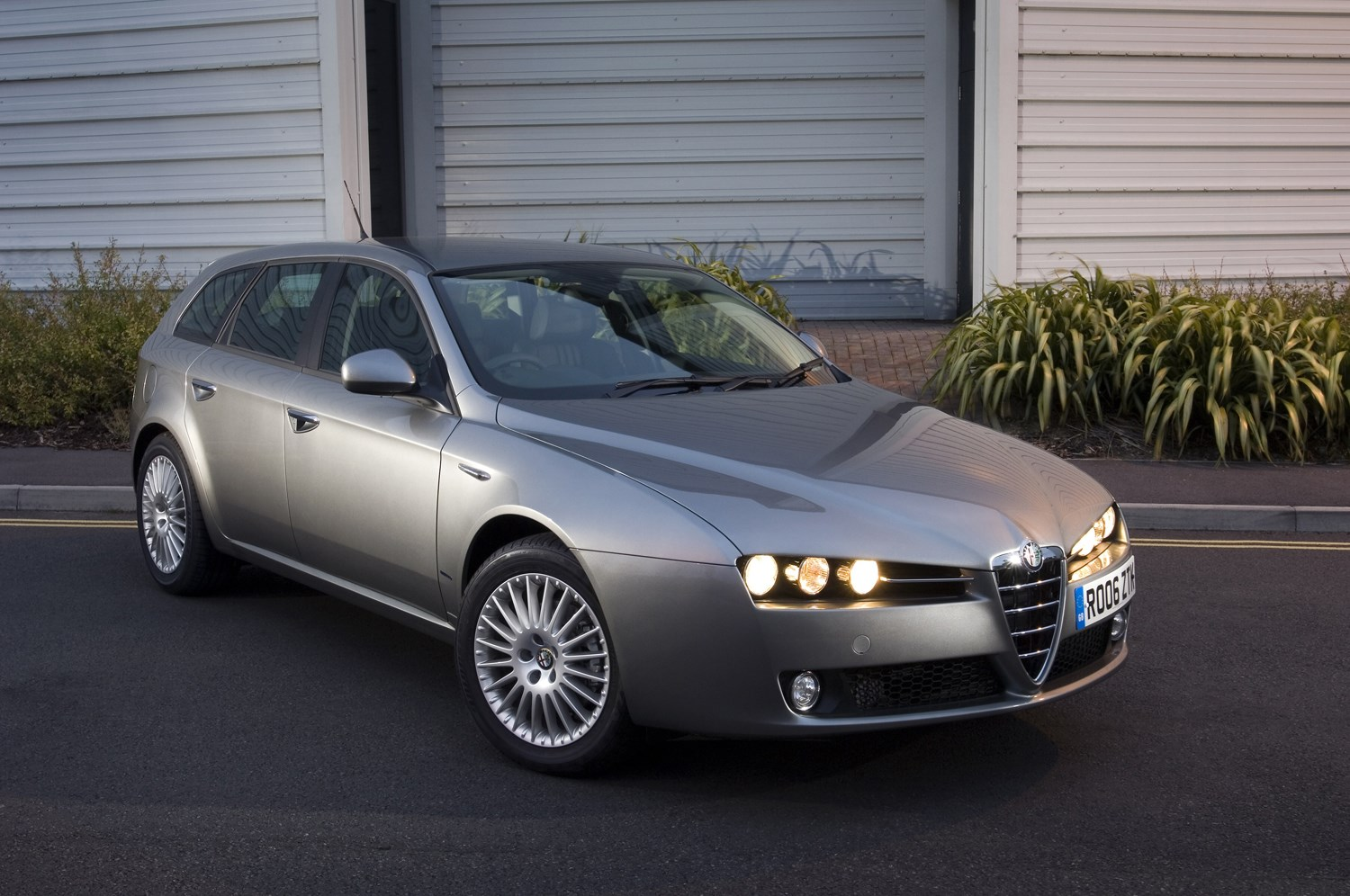 alfa romeo 159 sportwagon review 2006 2011 parkers. Black Bedroom Furniture Sets. Home Design Ideas