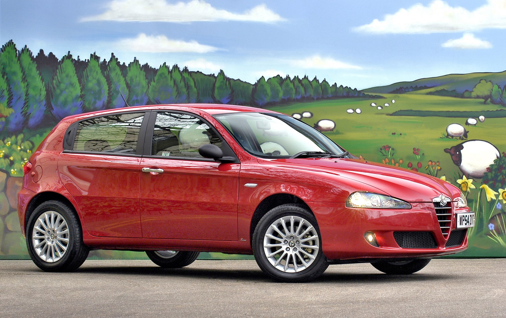 alfa romeo 147 hatchback review 2001 2009 parkers. Black Bedroom Furniture Sets. Home Design Ideas