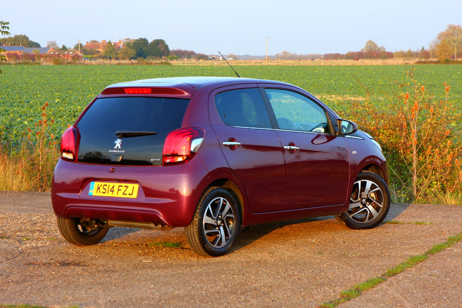 peugeot 108 hatchback review 2014 parkers. Black Bedroom Furniture Sets. Home Design Ideas