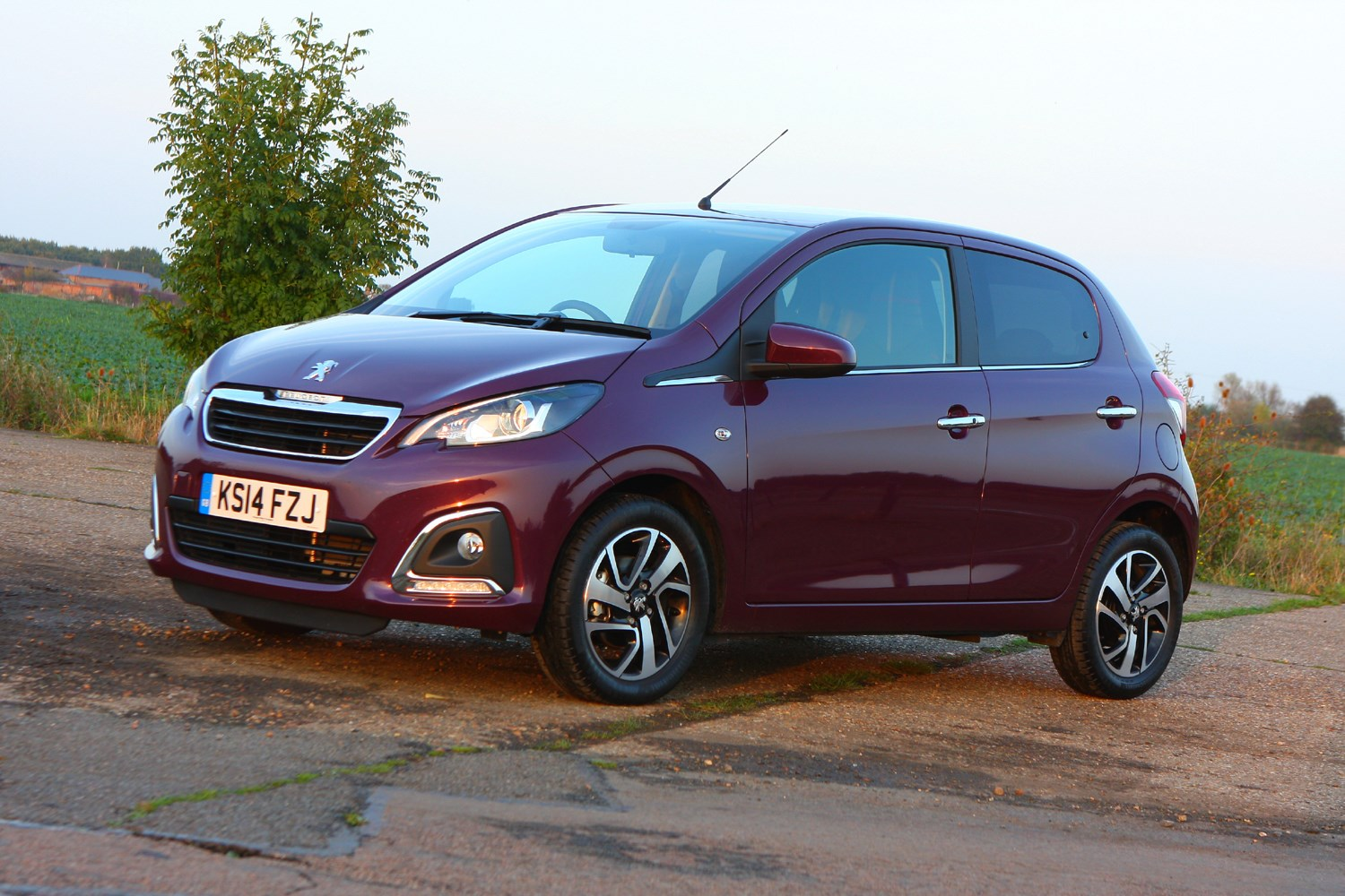Peugeot 108 Hatchback (2014 - ) Photos | Parkers