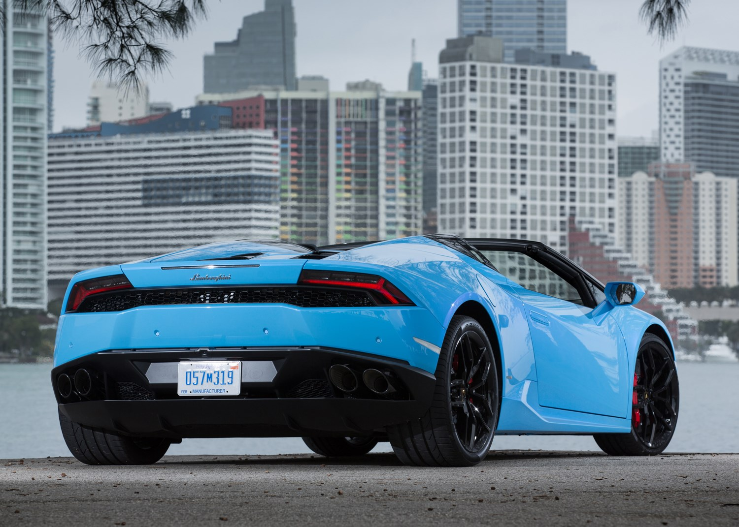 lamborghini huracan spyder 2015 running costs parkers. Black Bedroom Furniture Sets. Home Design Ideas