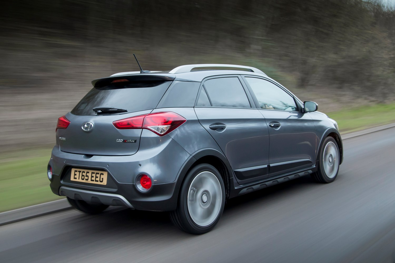 hyundai i20 active review 2016 parkers. Black Bedroom Furniture Sets. Home Design Ideas