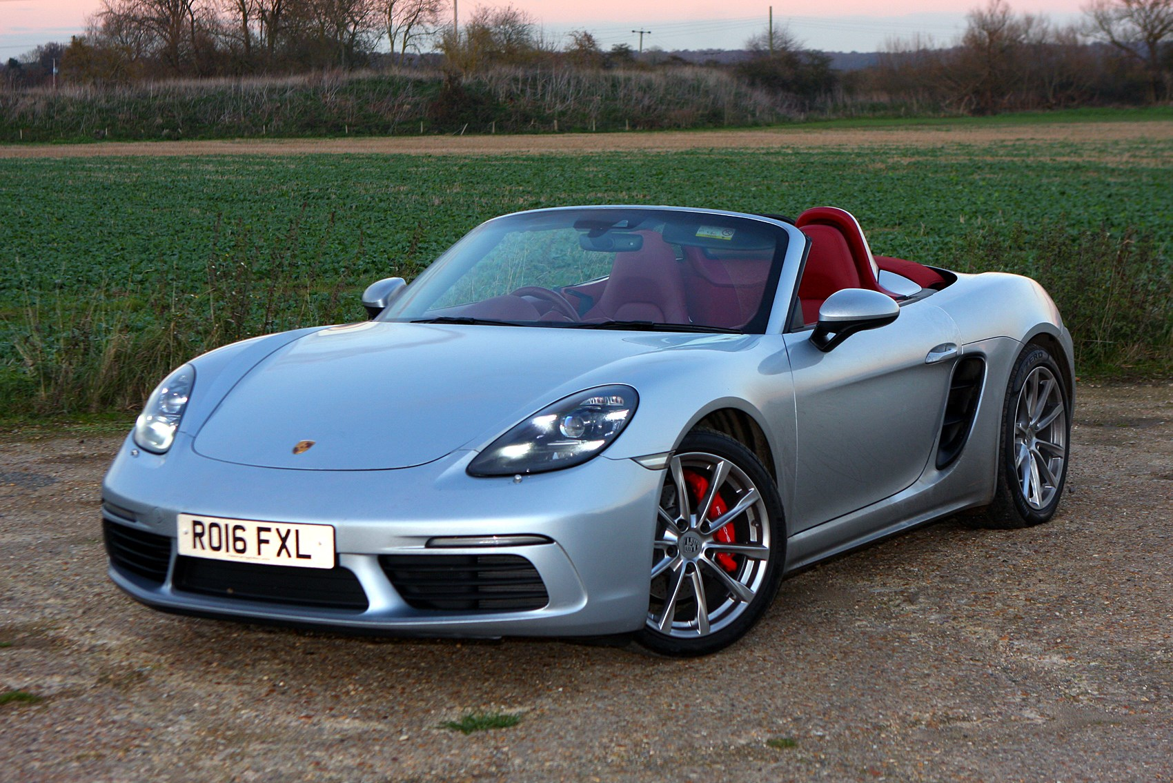 porsche 718 boxster convertible 2016 features. Black Bedroom Furniture Sets. Home Design Ideas