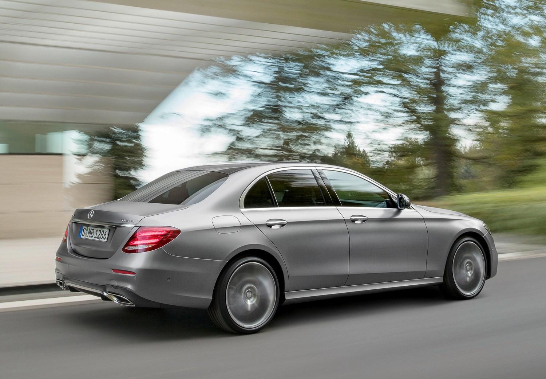 Mercedes benz e class saloon 2016 driving for How much is a mercedes benz e class