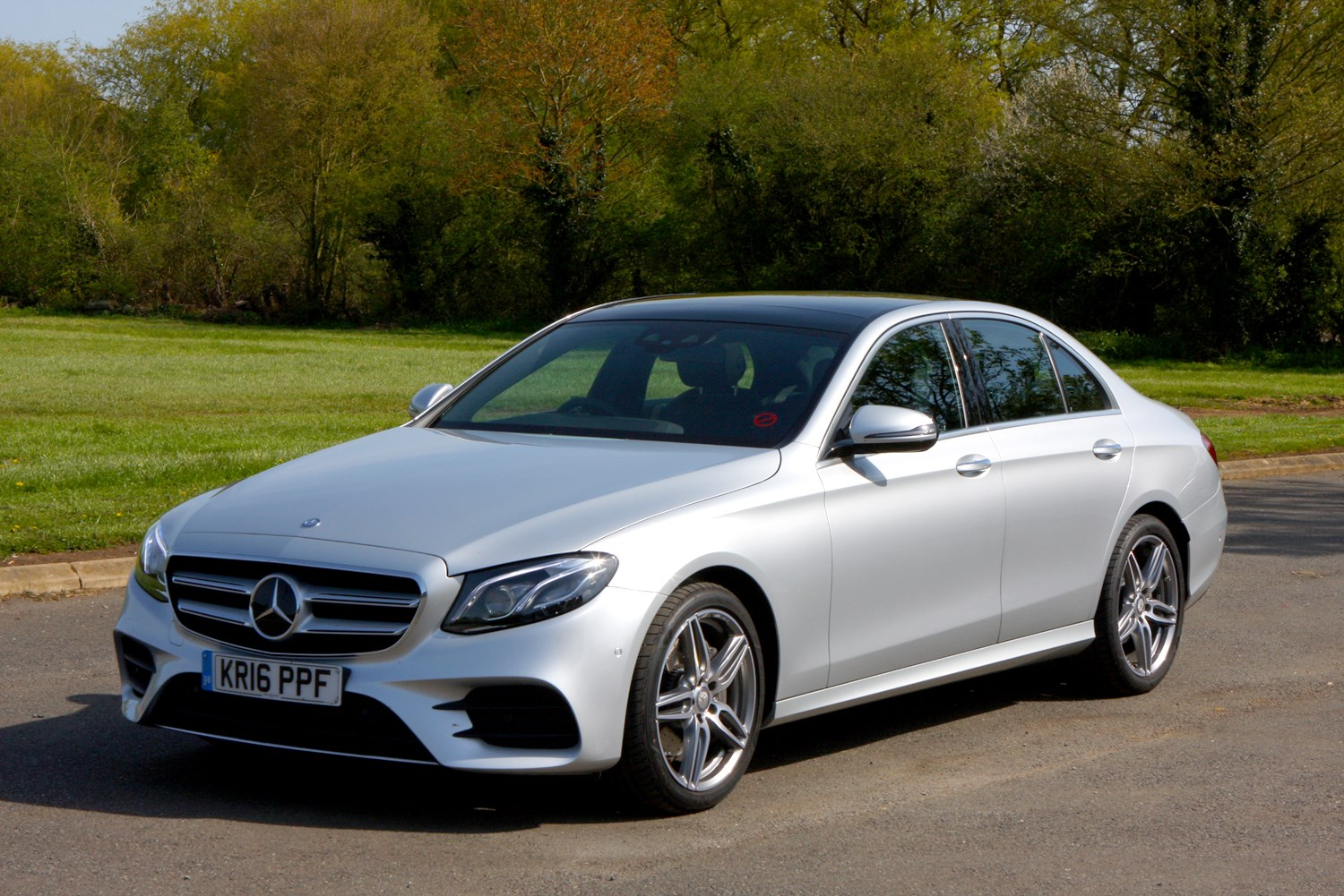 Mercedes-Benz E-Class (2019) MPG, Running Costs, Economy & CO2 | Parkers