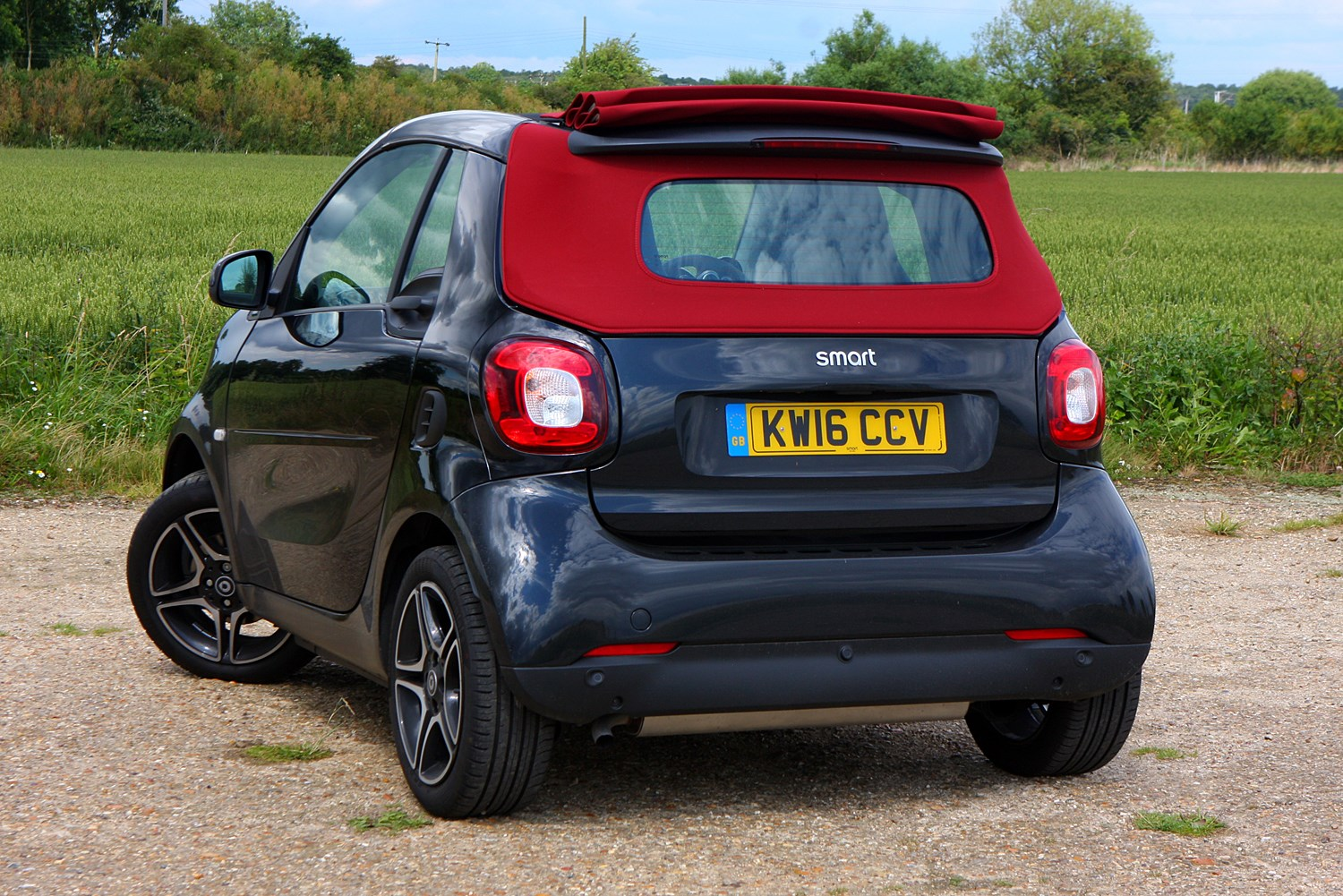 smart fortwo cabriolet review 2016 parkers. Black Bedroom Furniture Sets. Home Design Ideas