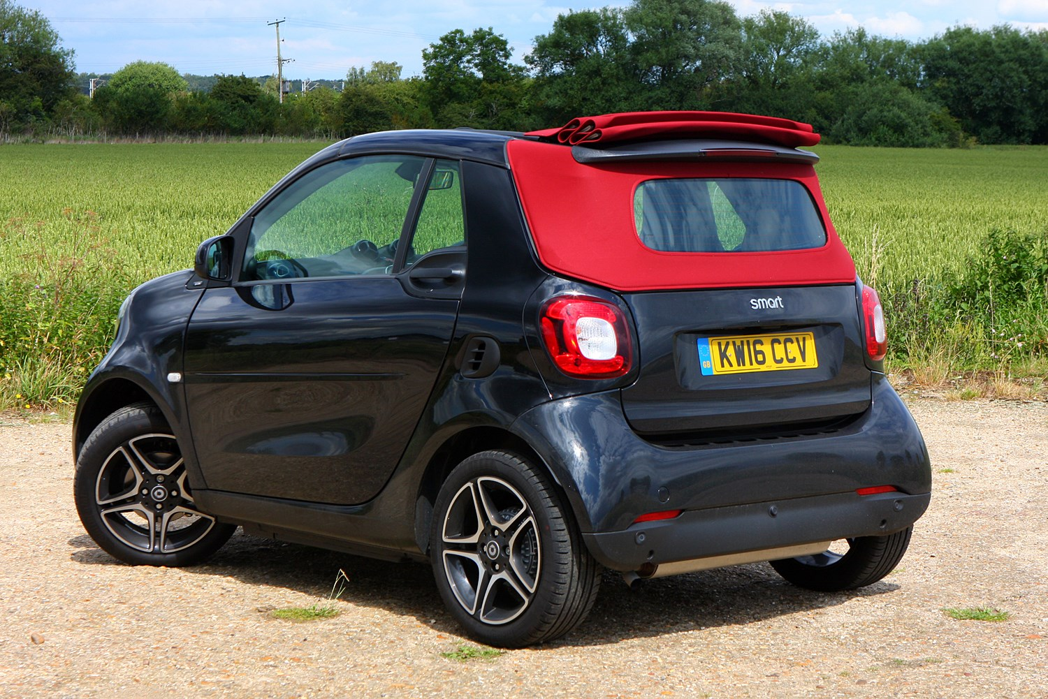 smart fortwo cabriolet 2016 rivals parkers. Black Bedroom Furniture Sets. Home Design Ideas