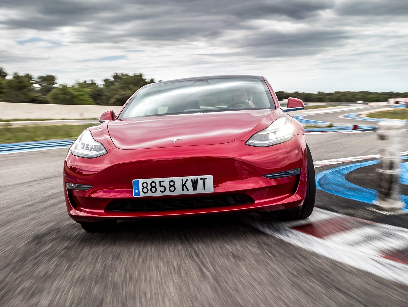 Tesla Model 3 (2021) MPG, Running Costs, Economy & CO2 ...