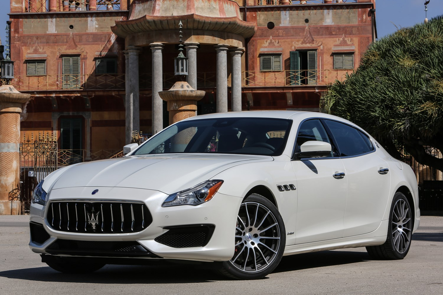 maserati quattroporte saloon review 2016 parkers. Black Bedroom Furniture Sets. Home Design Ideas