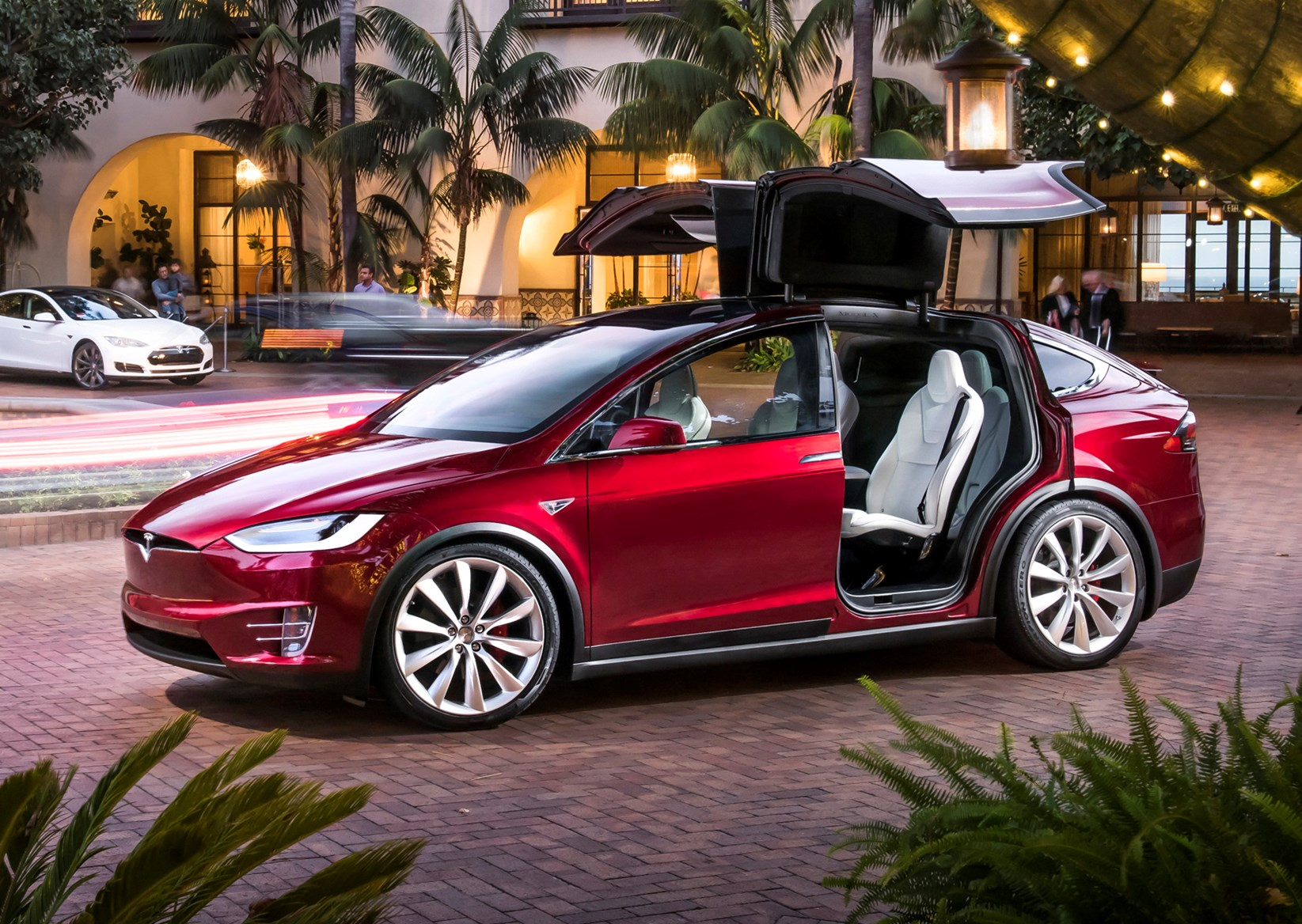 Tesla Model X Review (2019)   Parkers