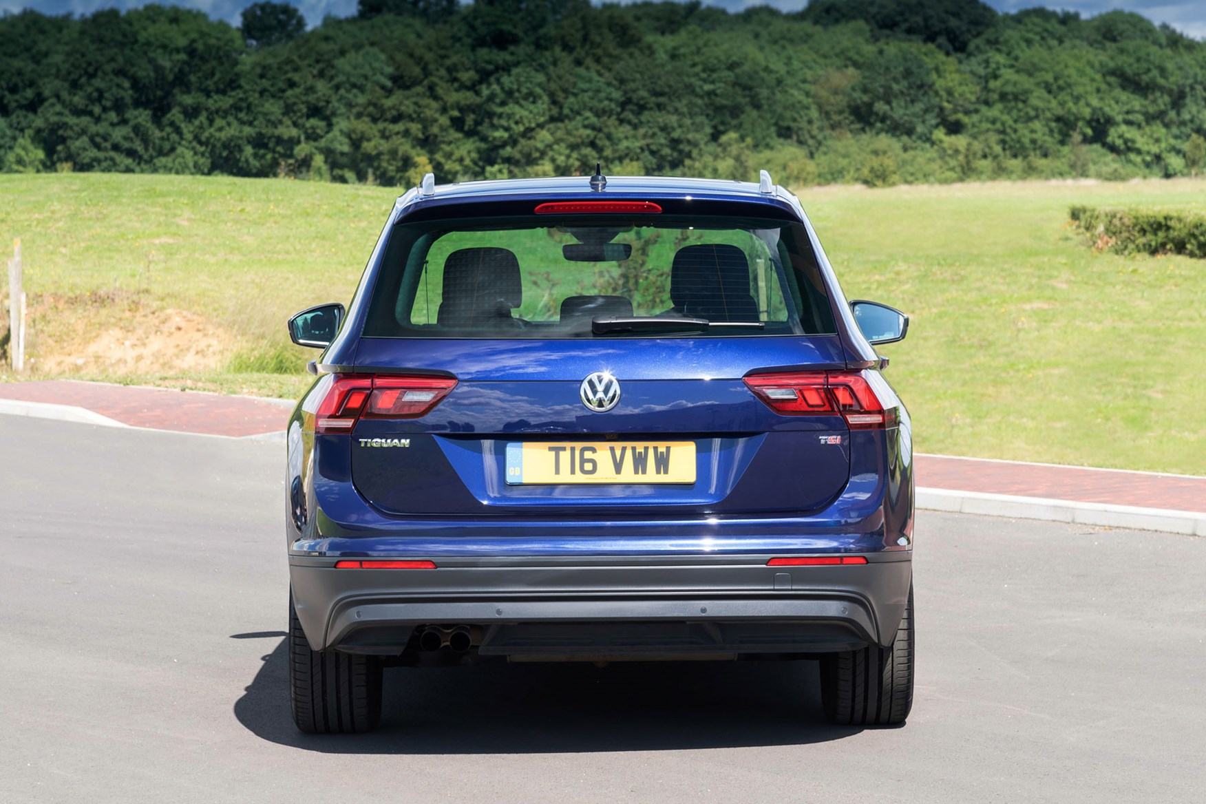 Volkswagen Tiguan (2019) Practicality, Boot Space & Dimensions | Parkers