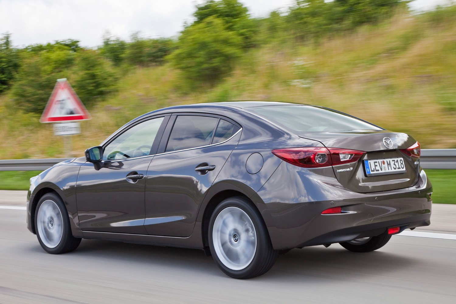 Used Mazda 3 Fastback (2013 - 2018) Review | Parkers