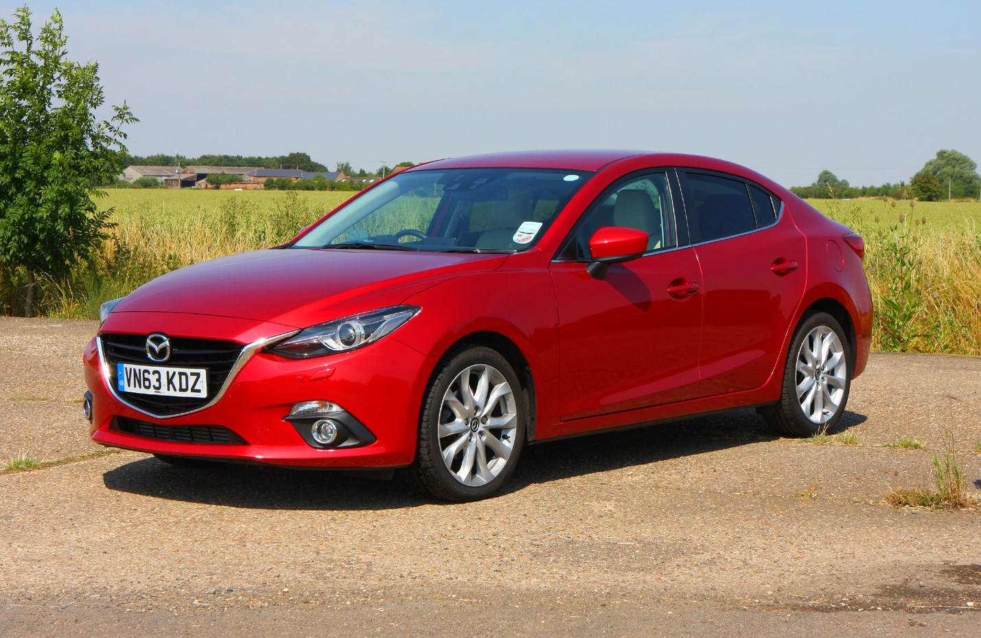 Mazda 3 Fastback 2013 Features Equipment And Accessories Parkers