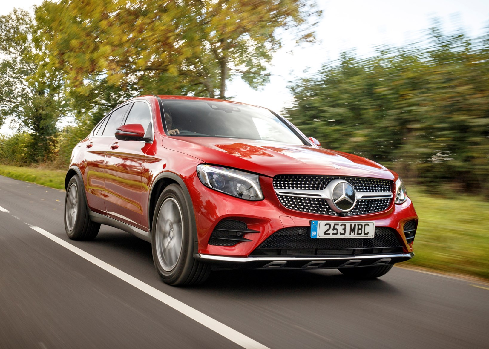 Mercedes benz glc class coupe 2016 features for Mercedes benz glc 300 accessories