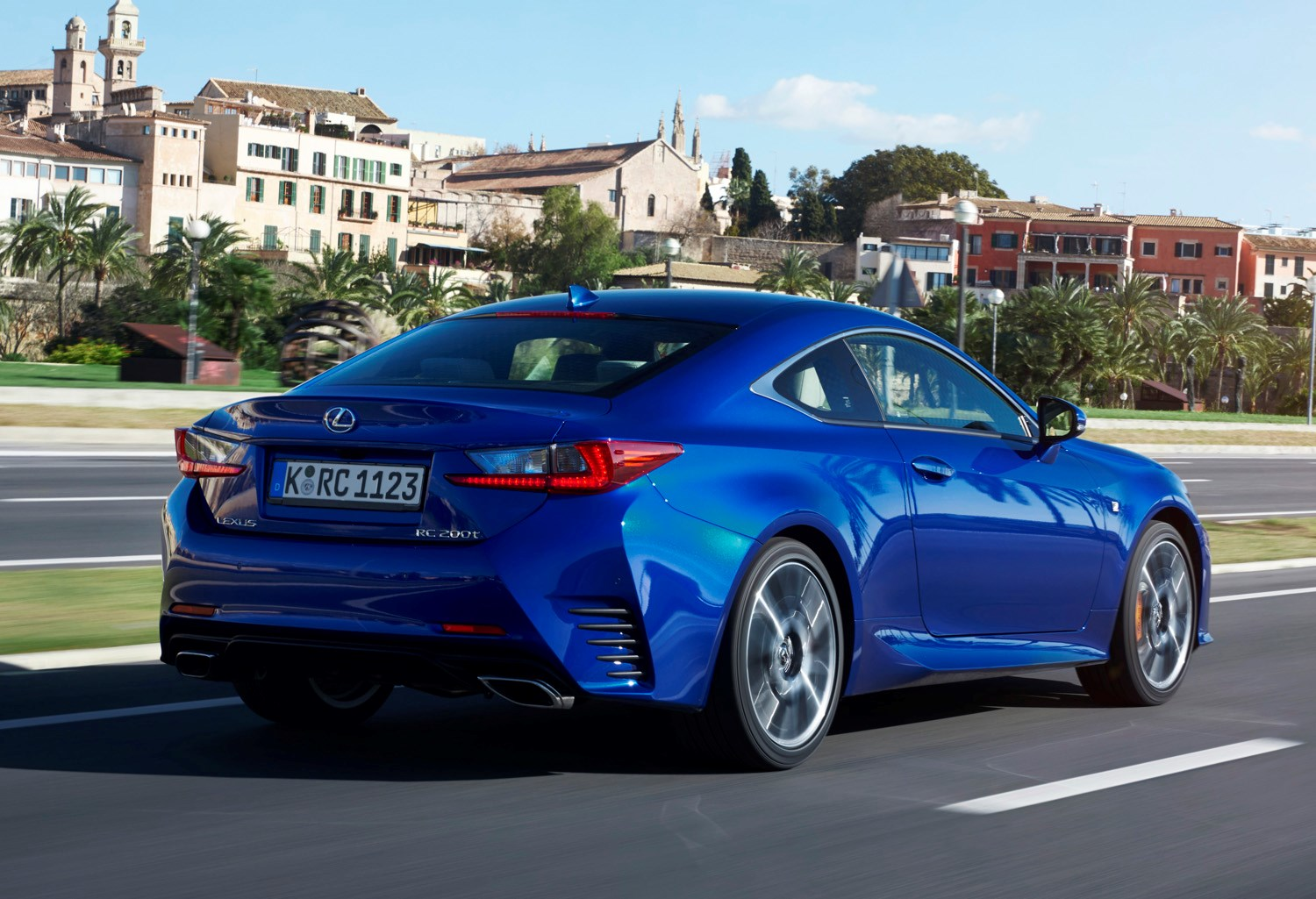 Lexus Rc Coupe Review Driving And Performance Parkers