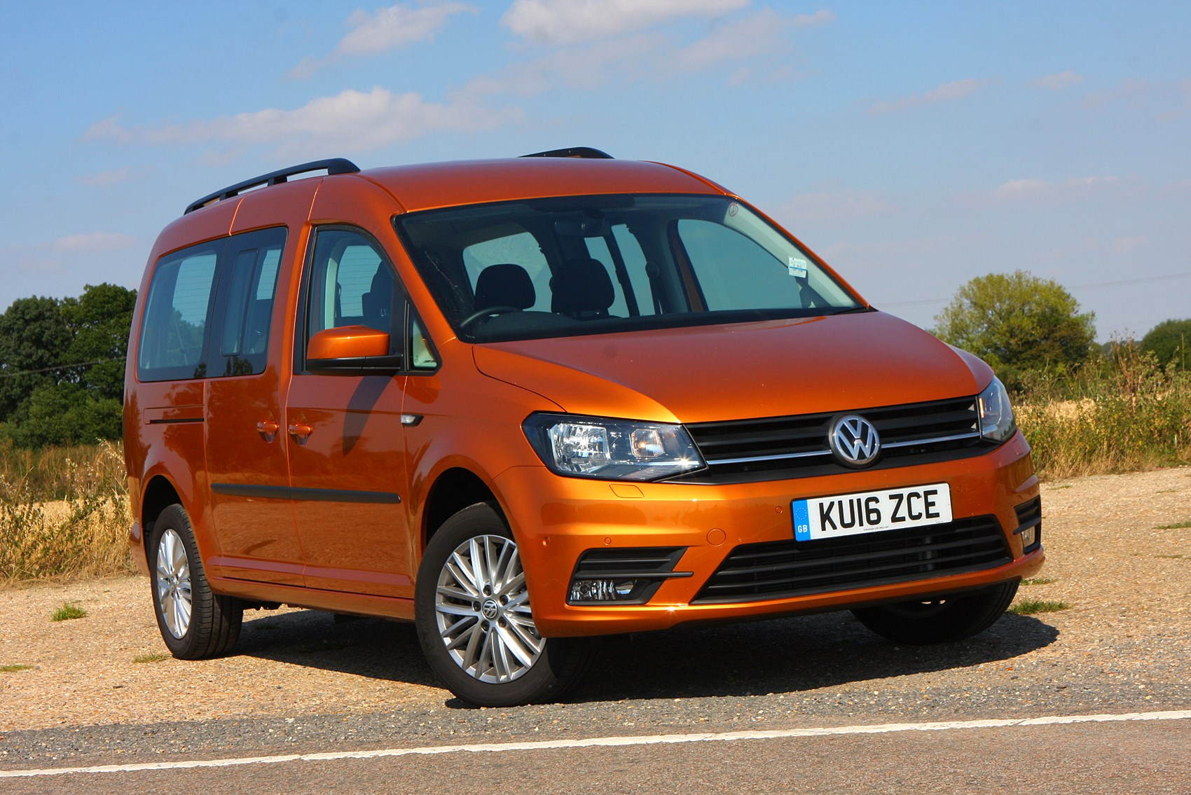 1ba582f9e9 Volkswagen Caddy Maxi Life Estate Review (2015 - )
