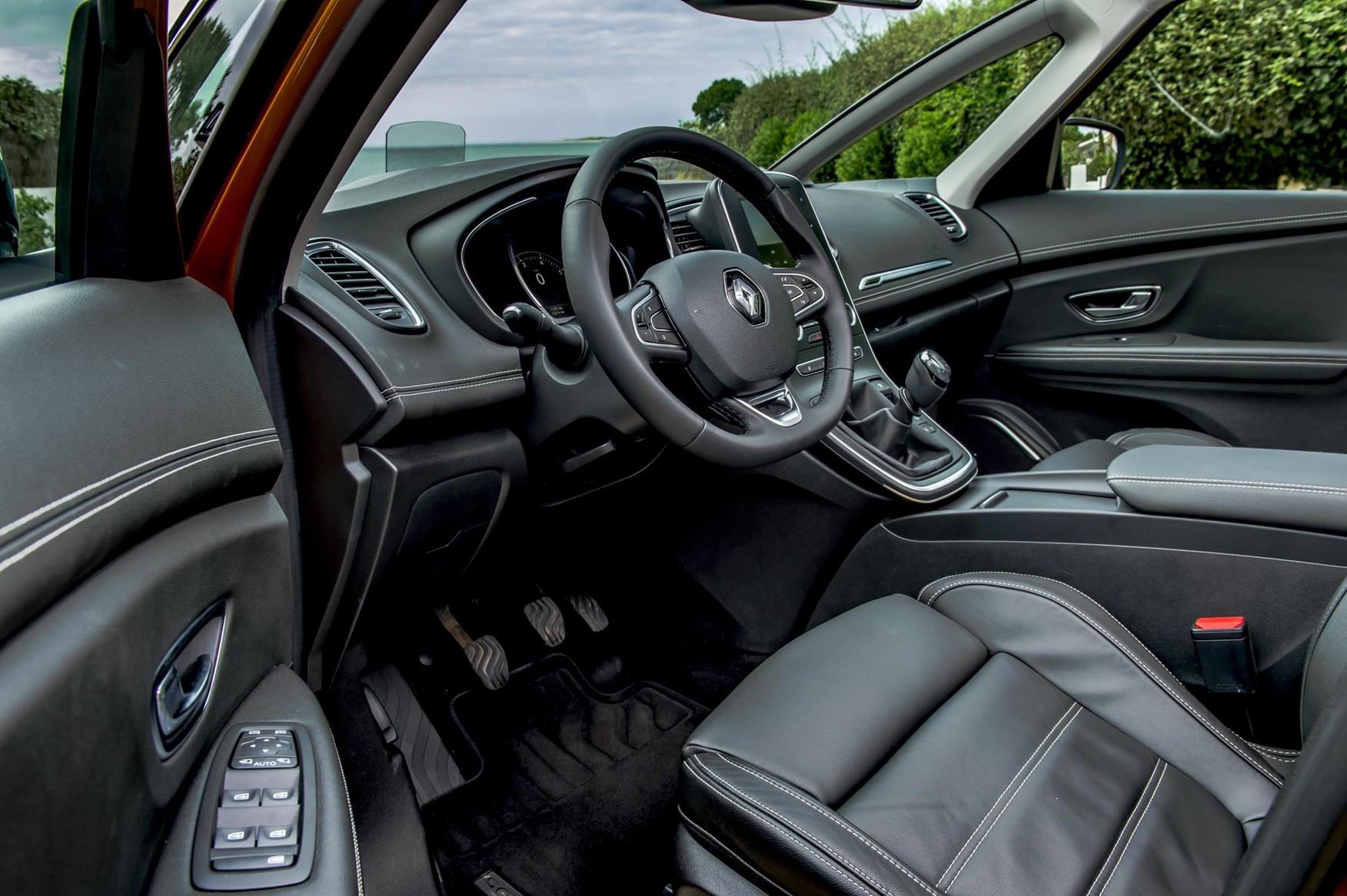 Renault scenic estate 2016 features equipment and for Interior renault scenic