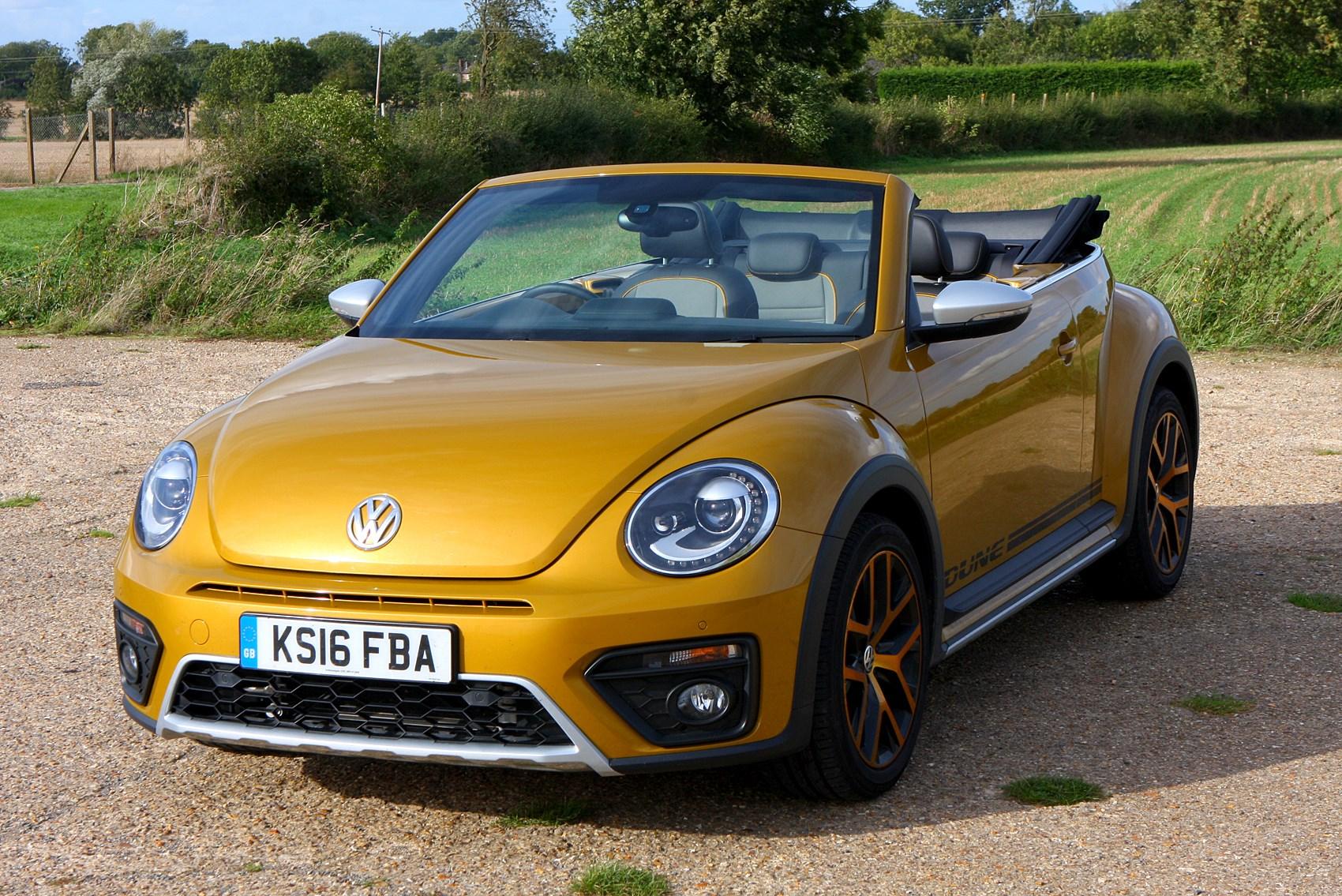 volkswagen beetle dune cabriolet review 2016 parkers. Black Bedroom Furniture Sets. Home Design Ideas