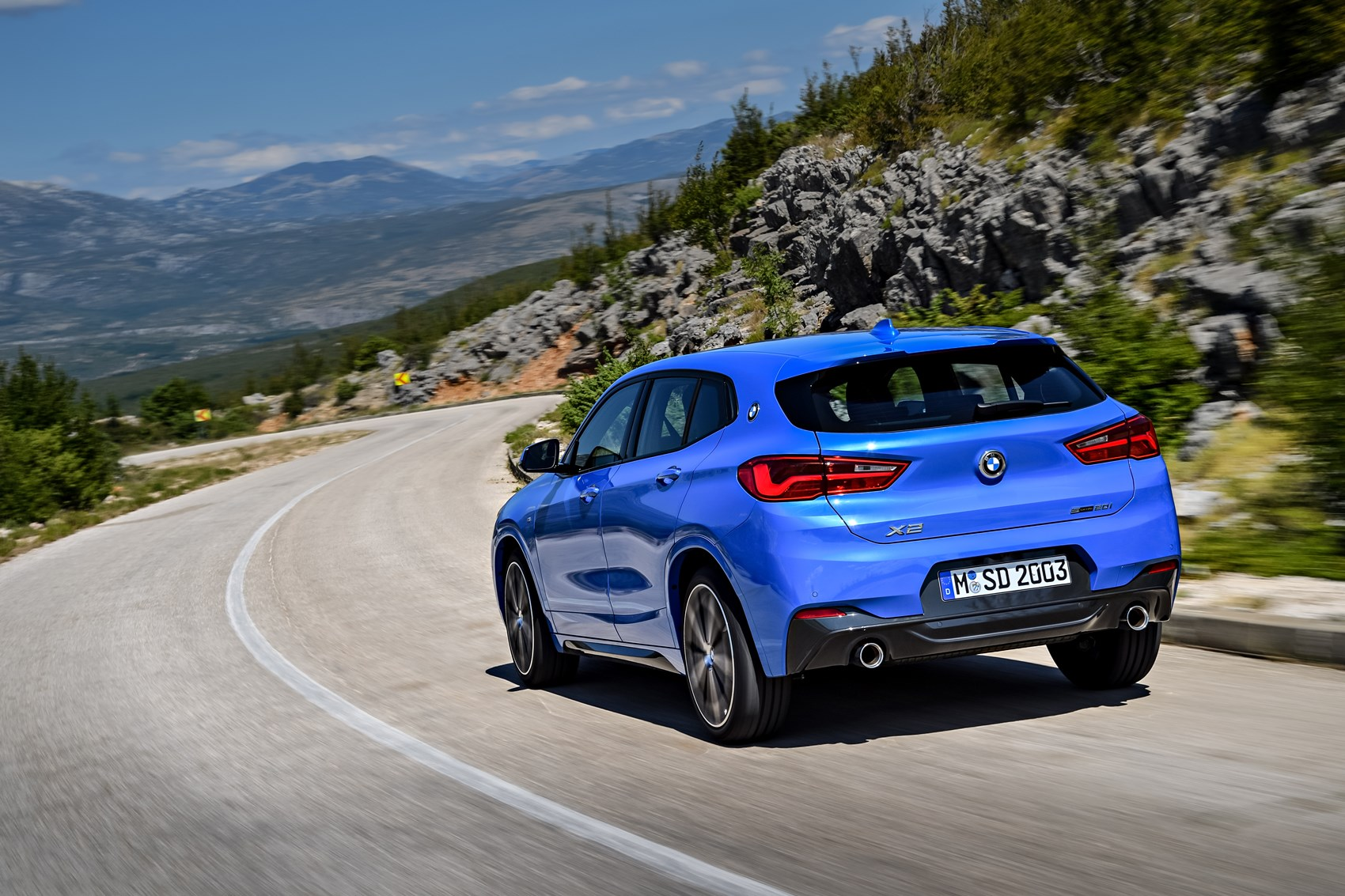 bmw x2 review summary parkers. Black Bedroom Furniture Sets. Home Design Ideas