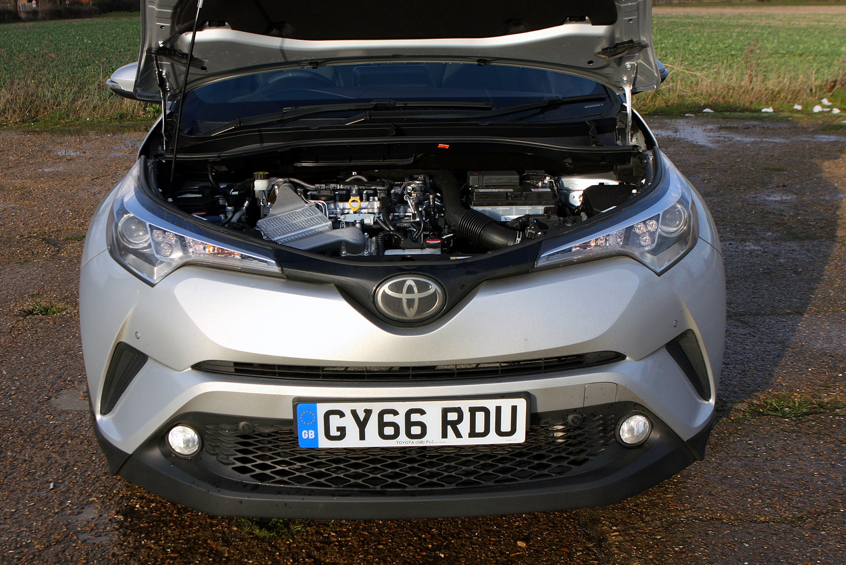 toyota c hr hybrid engine toyota 2017 c hr engine bay toyota 2017 c hr